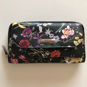 Reaction Kenneth Cole Floral Wallet